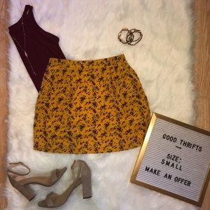 Anthropologie Skirts - floral mini skirt 🌻